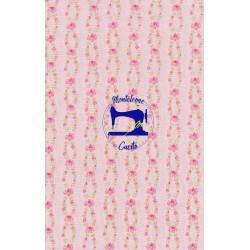 Tessuto rosa con roselline...